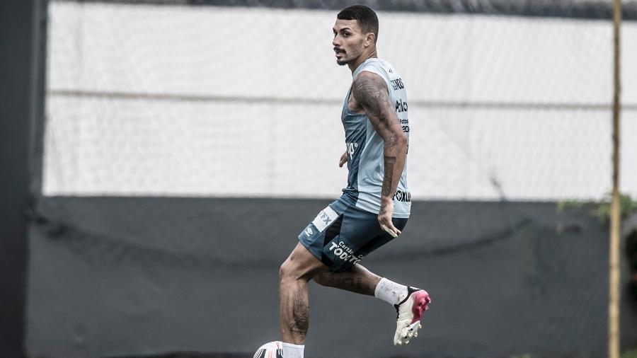 Alison participa de treino do Santos no CT Rei Pelé neste sábado - Ivan Storti/Santos FC