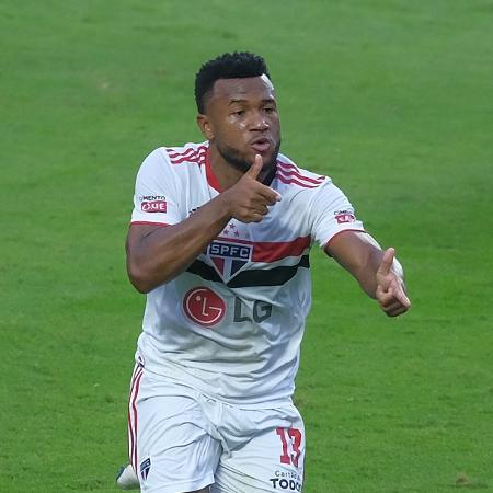 Luan celebra gol pelo São Paulo contra Palmeiras, pela final do Paulista, no Morumbi - Marcello Zambrana/AGIF