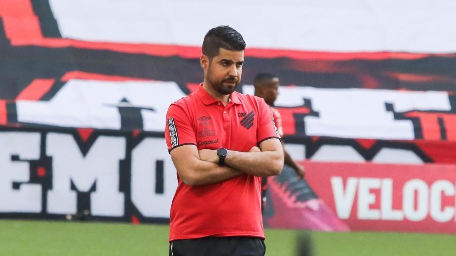 António Oliveira deixa comando técnico do Athletico-PR - JOKA MADRUGA/FUTURA PRESS/ESTADÃO CONTEÚDO