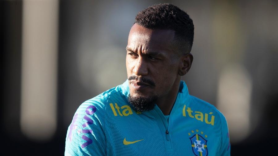 Edenilson durante treinamento da seleção brasileira no CT Joaquim Grava - Lucas Figueiredo/CBF