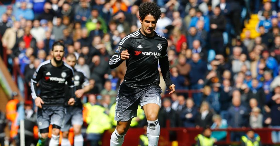 O atacante Alexandre Pato em ação pelo Chelsea
