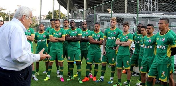 Eurico Miranda cobrou os jogadores do Vasco após cinco jogos sem vitória
