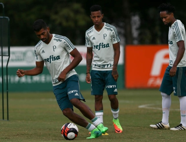 Thiago Santos dedicou-se a trabalhar mais o toque de bola e quer dar a resposta - Cesar Greco/Ag. Palmeiras