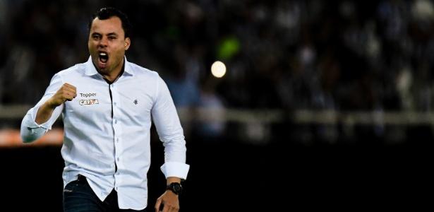 Jair Ventura fez mistério sobre a escalação do Botafogo para a partida contra o Grêmio pela Libertadores