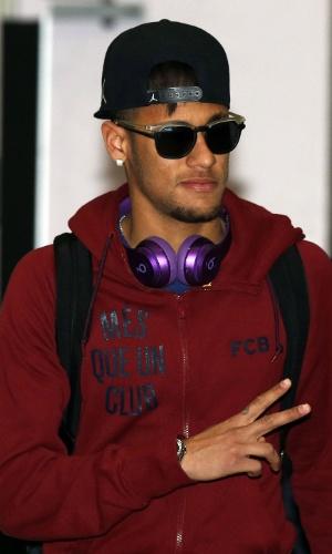 Neymar chega a Manchester para o jogo entre Barcelona e Manchester City pela Liga dos Campeões, em fevereiro de 2015