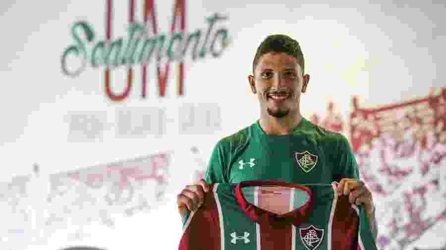 Volante Yuri foi anunciado oficialmente pelo Fluminense - LUCAS MERÇON / FLUMINENSE F.C