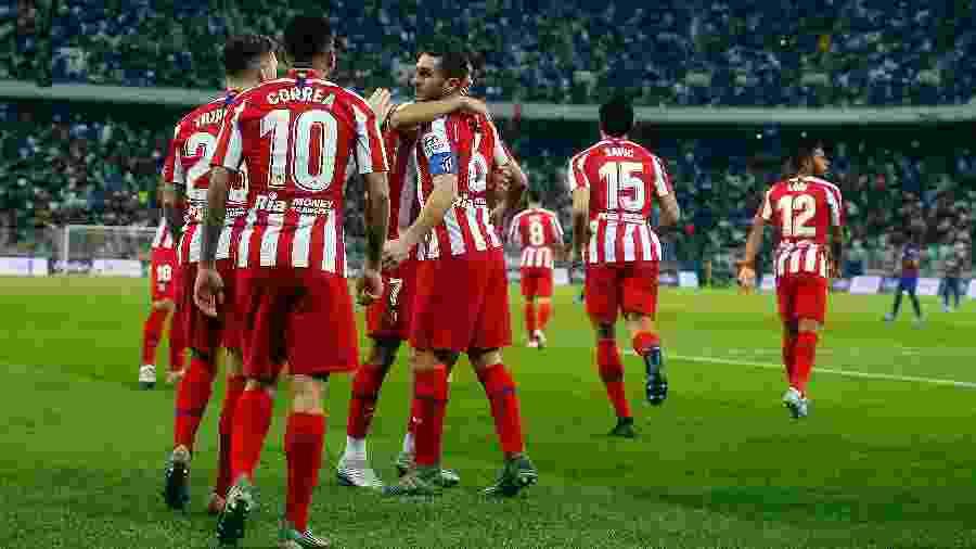 Jogadores do Atlético de Madri comemoram gol no duelo contra o Barcelona - Francois Nel/Getty Images