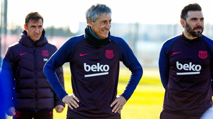 Quique Setién durante treino do Barcelona - Divulgação/Barcelona