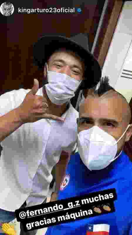 """Cabeleireiro Luís Fernando, o """"Zeus"""", ganhou até postagem de Vidal nas redes sociais após o corte no chileno - Reprodução / Instagram - Reprodução / Instagram"""