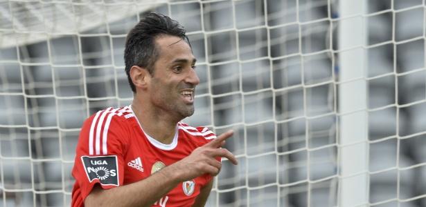 Atacante de 32 anos está em seu melhor momento na carreira e é artilheiro em Portugal