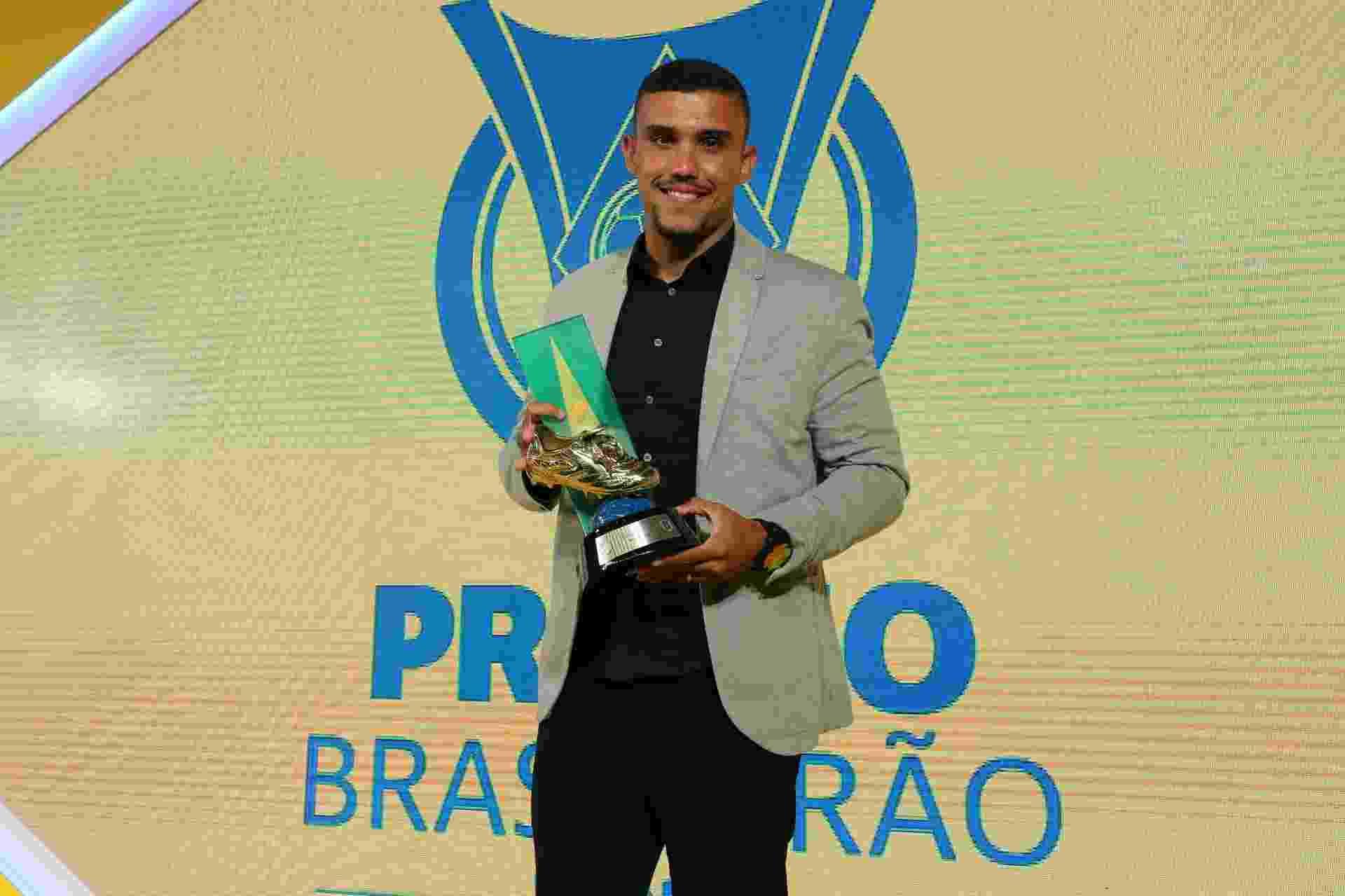 William Pottker, da Ponte Preta, recebeu o prêmio de artilheiro do Campeonato Brasileiro - ele dividiu a honraria com Fred (Atlético-MG) e Diego Souza (Sport) - Ricardo Stuckert/CBF