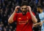 Jogador do Liverpool pede desculpas ao elenco após perder gol incrível - REUTERS