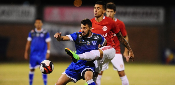 Victor Cuesta é o 'mais titular' da zaga do Inter, que ainda procura formação ideal