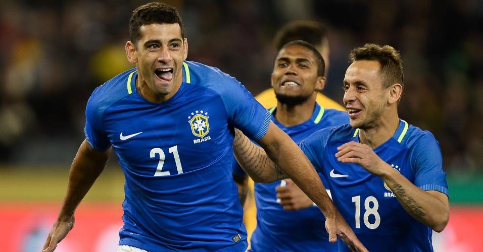 Diego Souza comemora gol da seleção brasileira contra a Austrália