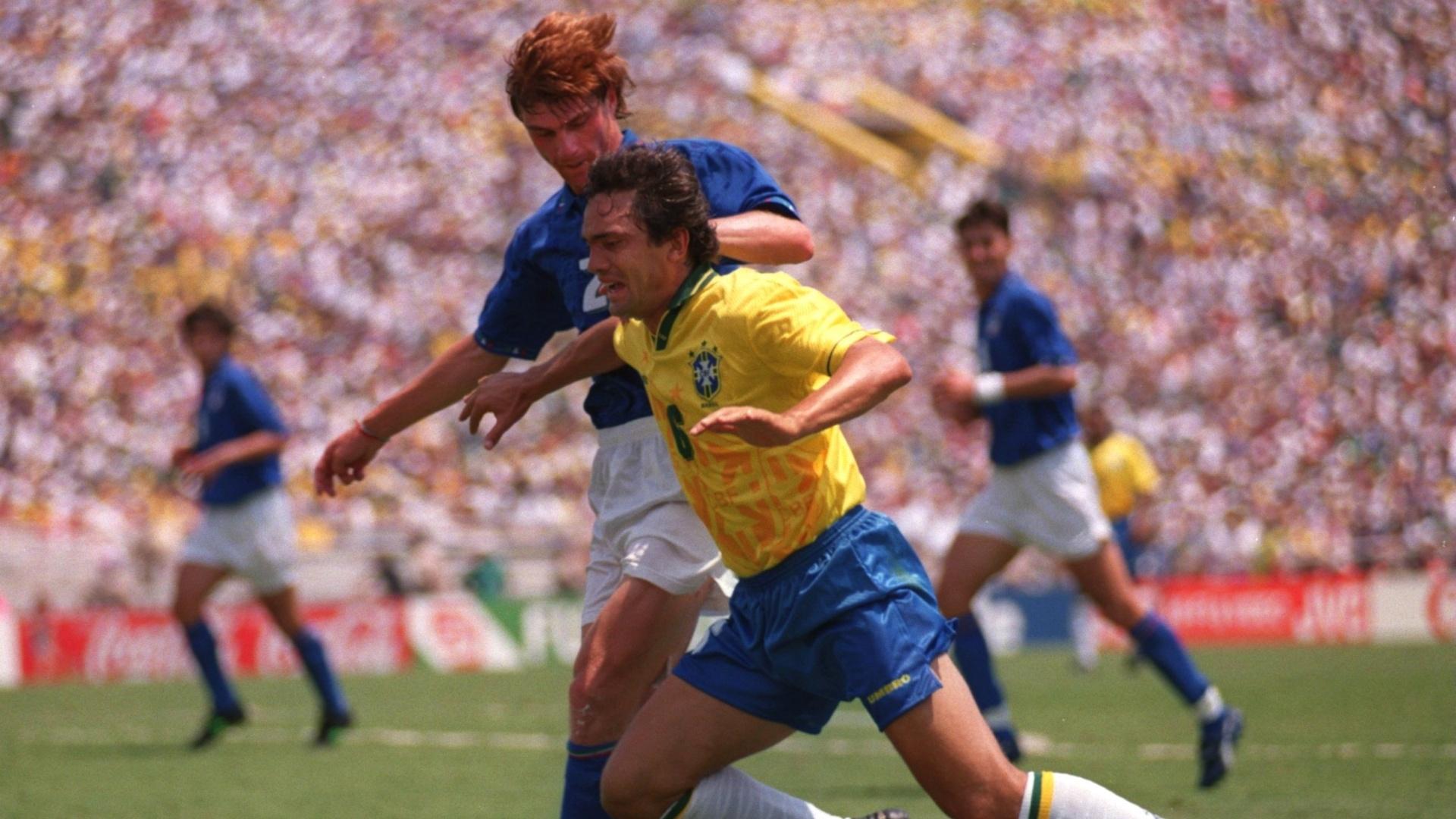 Branco em lance da final da Copa do Mundo de 1994 contra a Itália