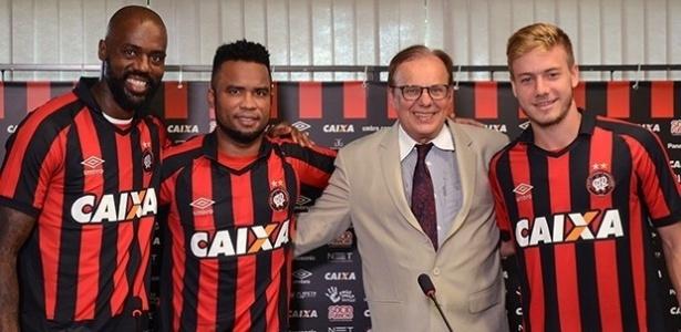 Grafite, Carlos Alberto e Luis Henrique com o presidente Emed: Atlético reinicia sem eles