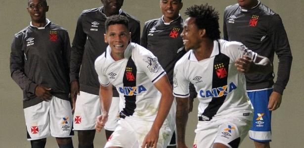 Paulinho marcou dois gols para o Vasco contra o Atlético-MG