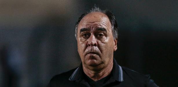 Marcelo Oliveira chorou o rebaixamento: pior momento da carreira