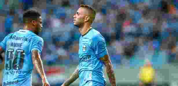 Meia-atacante negou que tenha solicitado para jogar em virtude de observação de Tite - Lucas Uebel/Grêmio FBPA