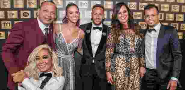 Neymar, Marquezine e a família do jogador em leilão do Instituto Neymar Jr. - Divulgação
