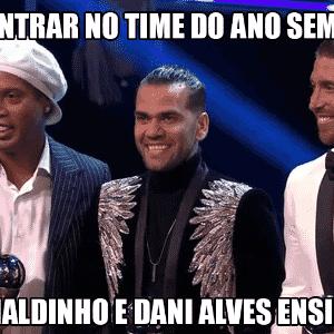 Meme Fifa The Best: Ronaldinho Gaúcho - Reprodução/Twitter