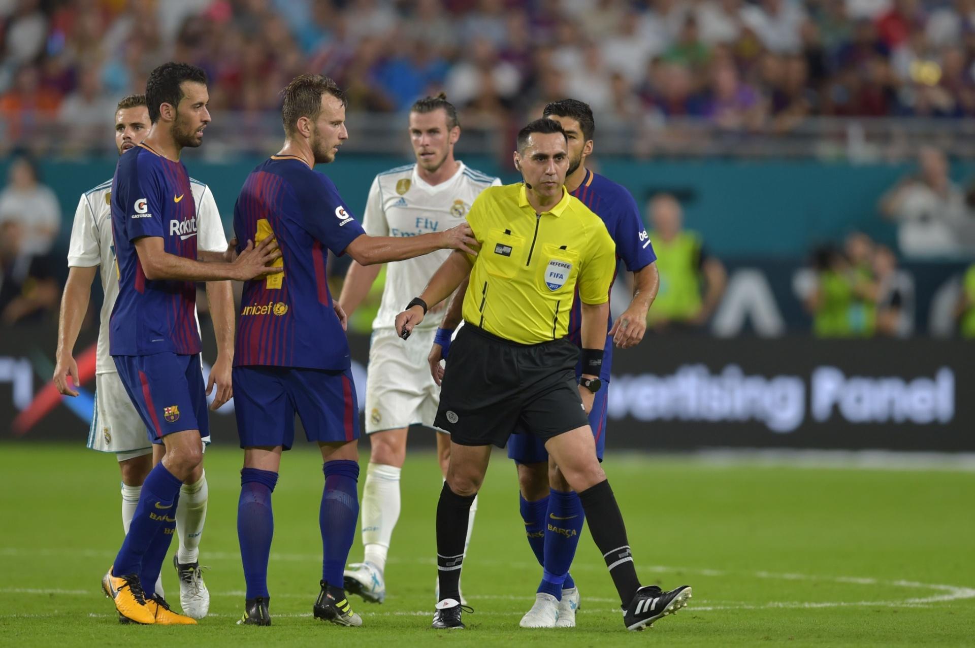 Árbitro acusado de ofender Rakitic apitará final do Mundial de Clubes 2018  - 21 12 2018 - UOL Esporte 9ff264b3bffa7