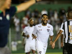 506fa1fdd8 Cruzeiro faz proposta por Everaldo e quer envolver atletas com o Fluminense