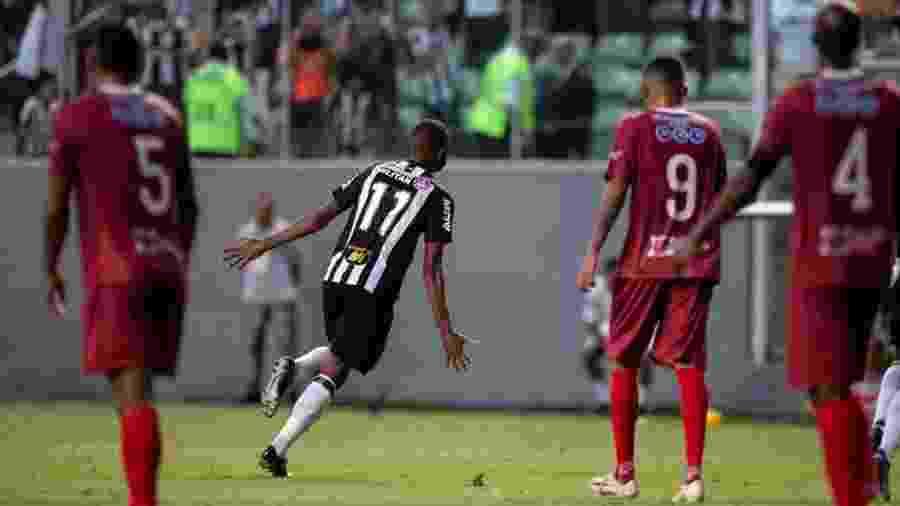 Maicon Bolt deu assistência em vitória do Atlético-MG sobre o Tupi - Pedro Vale/Agif