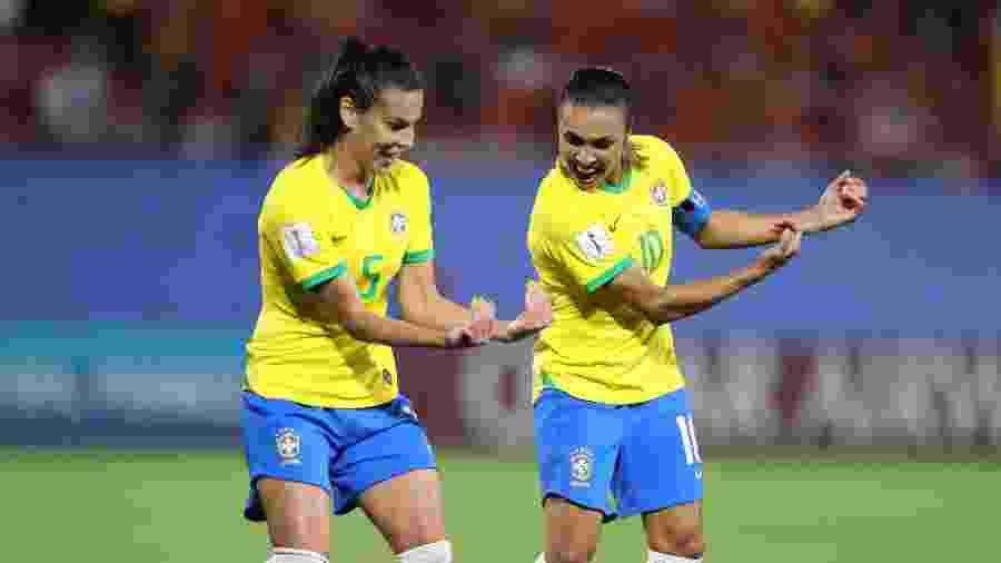 Marta comemora após marcar para o Brasil contra a Itália - Rener Pinheiro / MoWA Press
