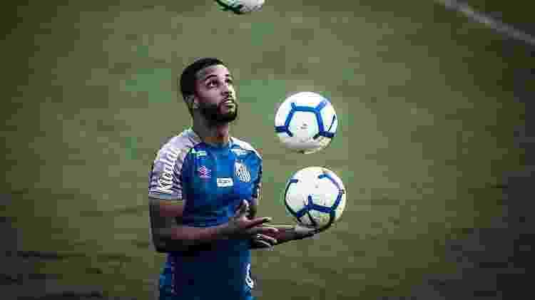 Jorge, lateral do Santos, em treino no CT Rei Pelé - Ivan Storti/Santos FC - Ivan Storti/Santos FC