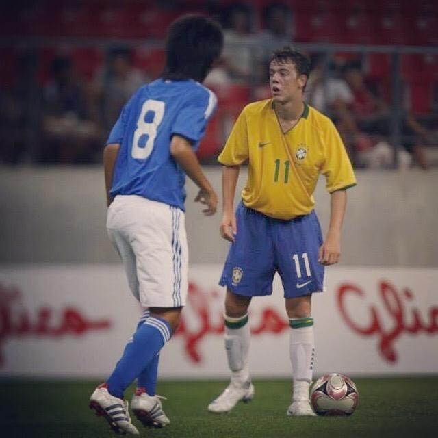 Meia Geovane, ex-Santos, em jogo da seleção brasileira de base