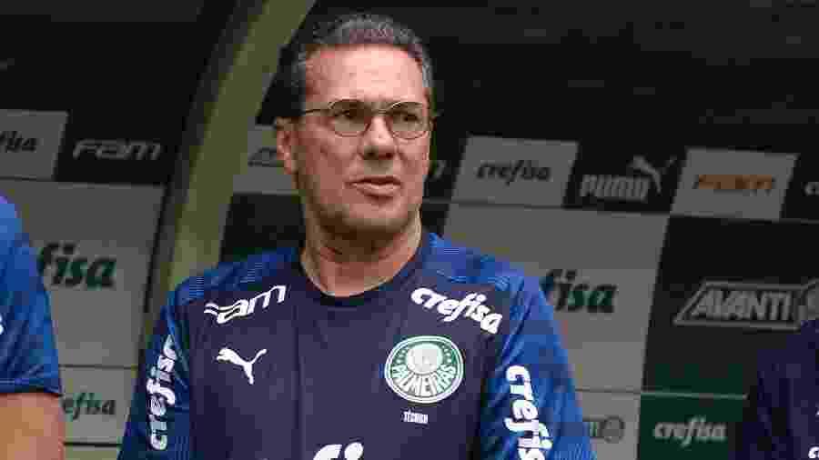 Luxemburgo no banco de reservas antes do duelo Palmeiras x Mirassol - Bruno Ulivieri/AGIF