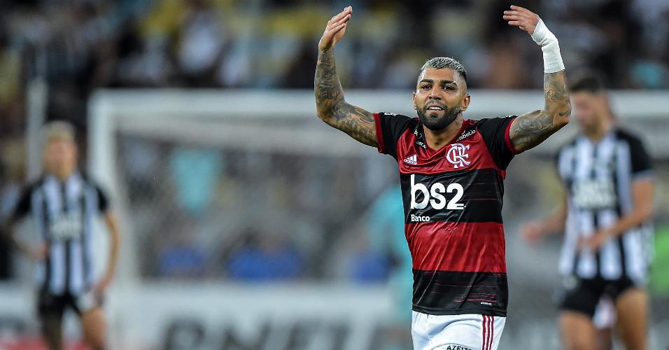 Gabigol comemora depois de balançar as redes no clássico entre Flamengo x Botafogo