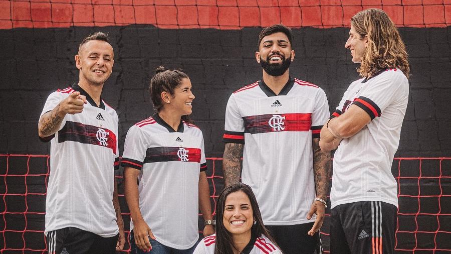 Jogadores do Flamengo com nova camisa para a temporada de 2020 - Adidas/Fernando Schlaepfer