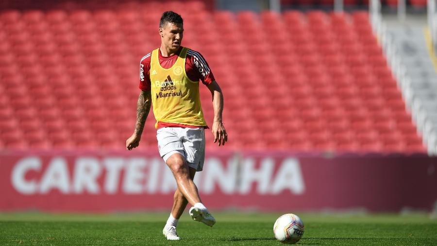 Damián Musto pode rescindir vínculo com Huesca, da Espanha, segundo imprensa local - Ricardo Duarte/Inter