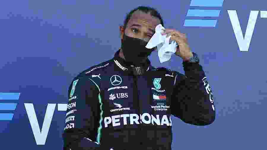 Lewis Hamilton no pódio do GP da Rússia após terceiro lugar na corrida em Sochi - Kirill Kudryavtsev/Reuters