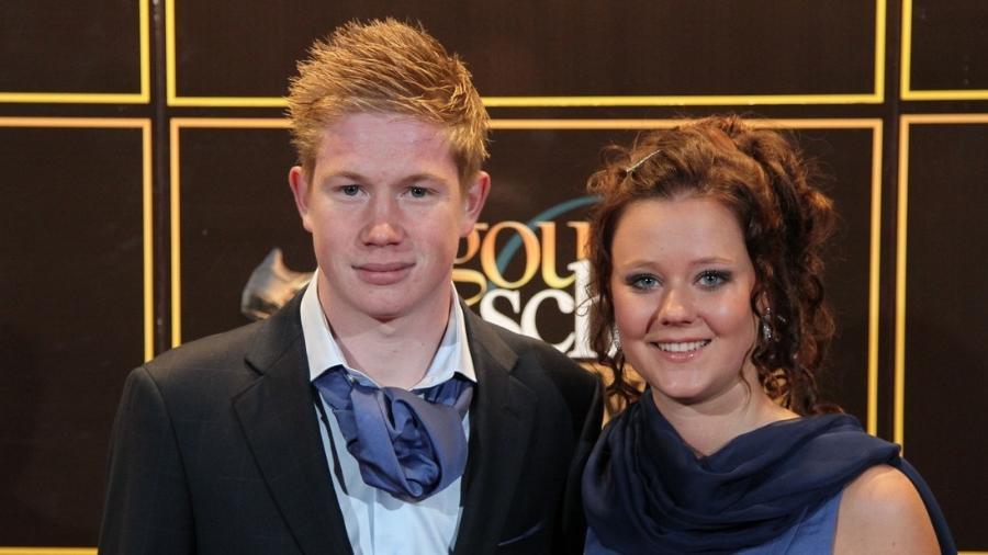 Kevin de Bruyne ao lado de ex-namorada que o traiu com Courtois - Divulgação