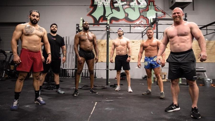 Jon Jones posta foto após treinamento - Reprodução