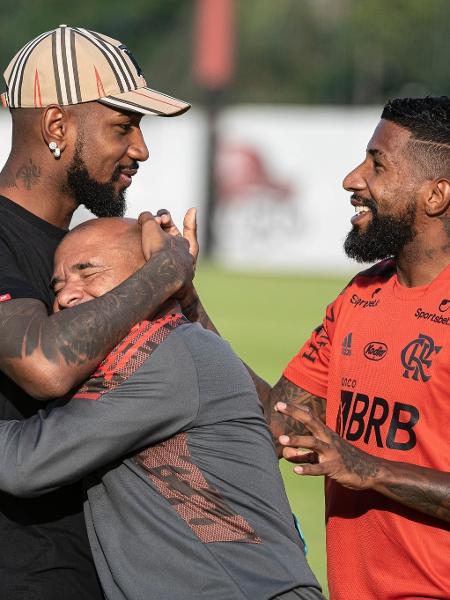 Gerson se despede de jogadores e funcionários do Flamengo - Alexandre Vidal / Flamengo