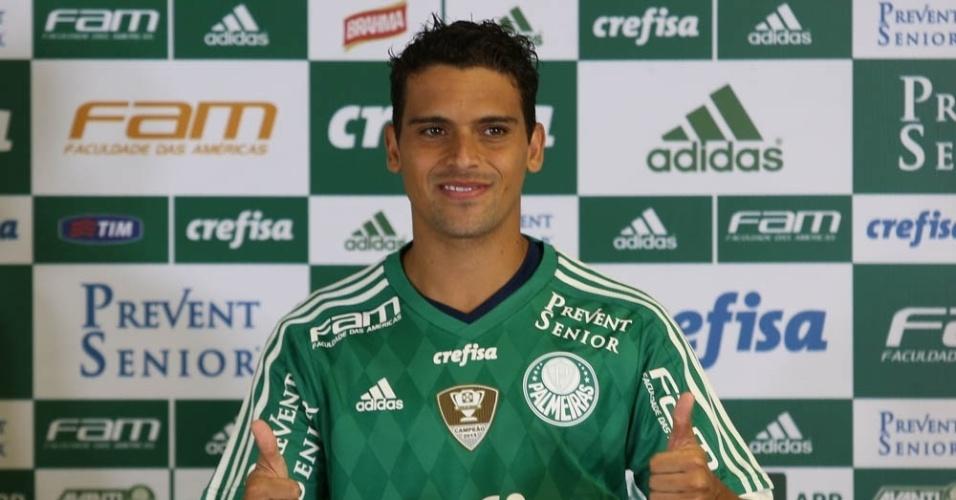 Volante Jean, oitavo e último reforço do Palmeiras para a temporada, é apresentado