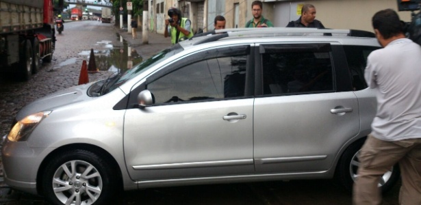 Odílio Rodrigues acelerou o passo e deixou o local pelo estacionamento - Samir Carvalho/UOL Esporte