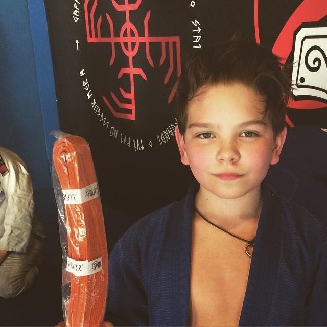 Mikael tem apenas 12 anos e já pratica MMA