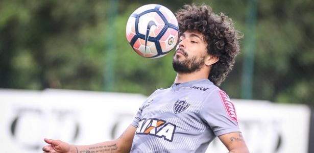 Luan assume titularidade do Atlético-MG em treinamento tático