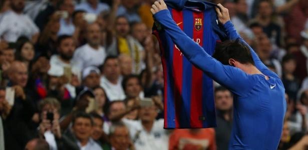 Messi comemora o gol que deu a vitória ao Barcelona