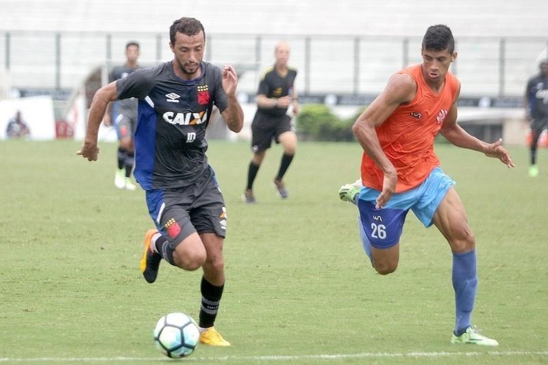 Nenê, durante jogo-treino do Vasco contra o Bangu