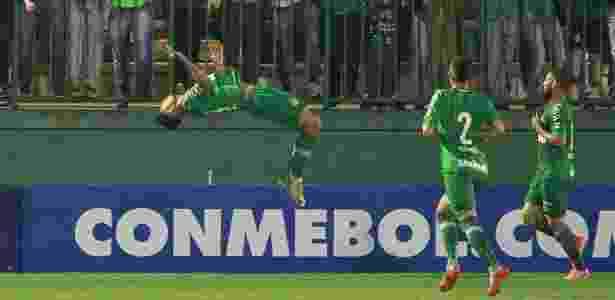 Túlio de Melo comemora gol (Chapecoense x Defensa y Justicia) - Diego Vara/Reuters - Diego Vara/Reuters