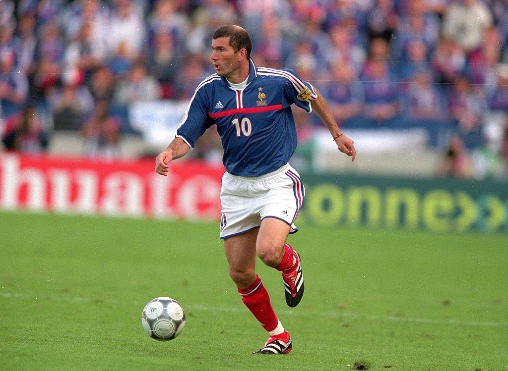 Zidane em ação pela seleção francesa na Eurocopa de 2000