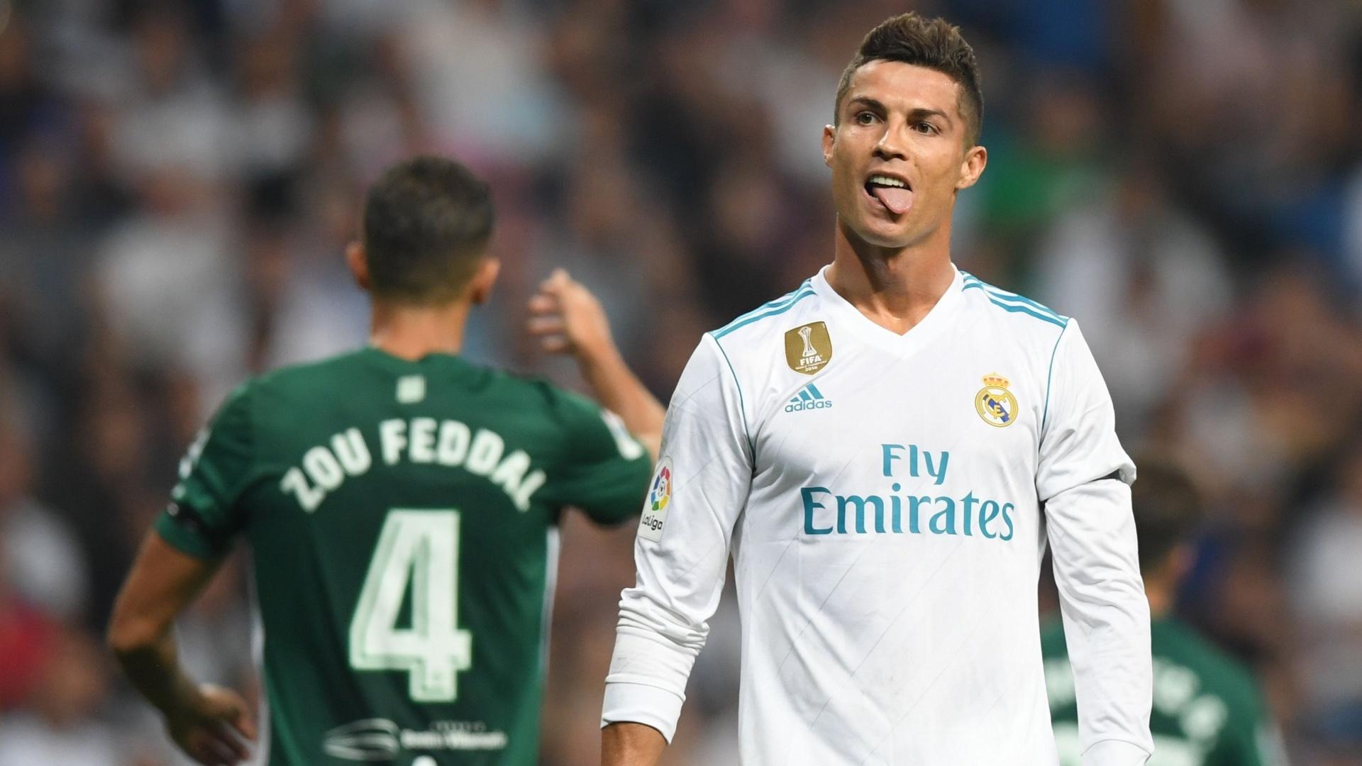 Cristiano Ronaldo gesticula durante a partida entre Real Madrid e Real Betis