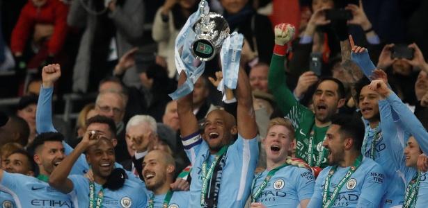 Jogadores do City fizeram a festa no Estádio de Wembley