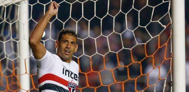 Diego Souza comemora gol da vitória do São Paulo
